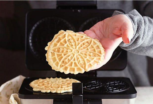 Pizzelle-Maker
